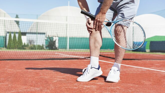 How to avoid injuries in tennis?